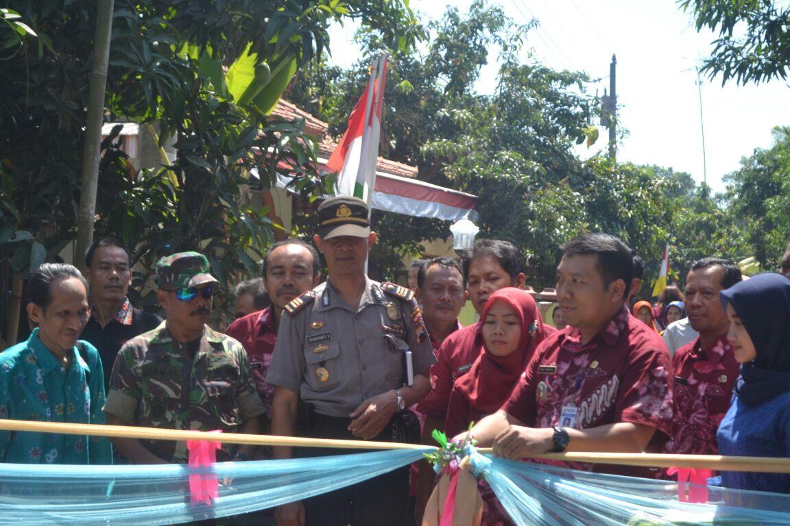 Potong Pita Kampung KB kecamatan Tirto