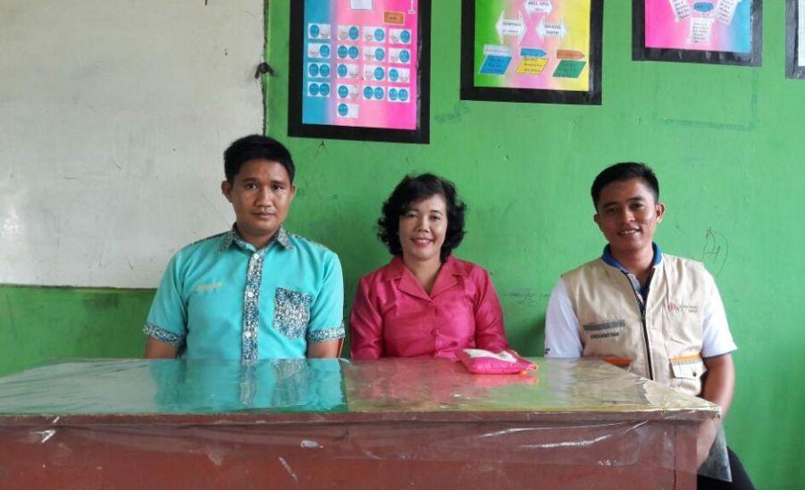 Bersama Guru Kesiswaan SMPN 1 Tulin Onsoi