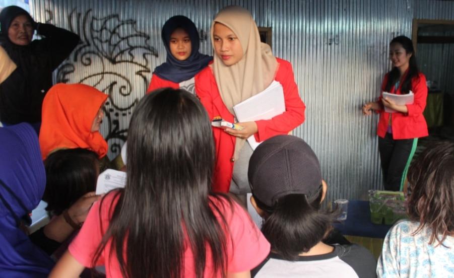 Meningkatkan Kesehatan Masyarakat Desa Borongtala Dengan PHBS