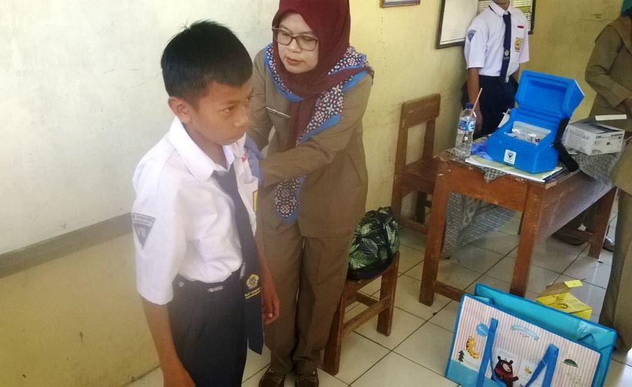Pelaksanaan Imunisasi MR di SMPN 1 Krangkeng Indramayu