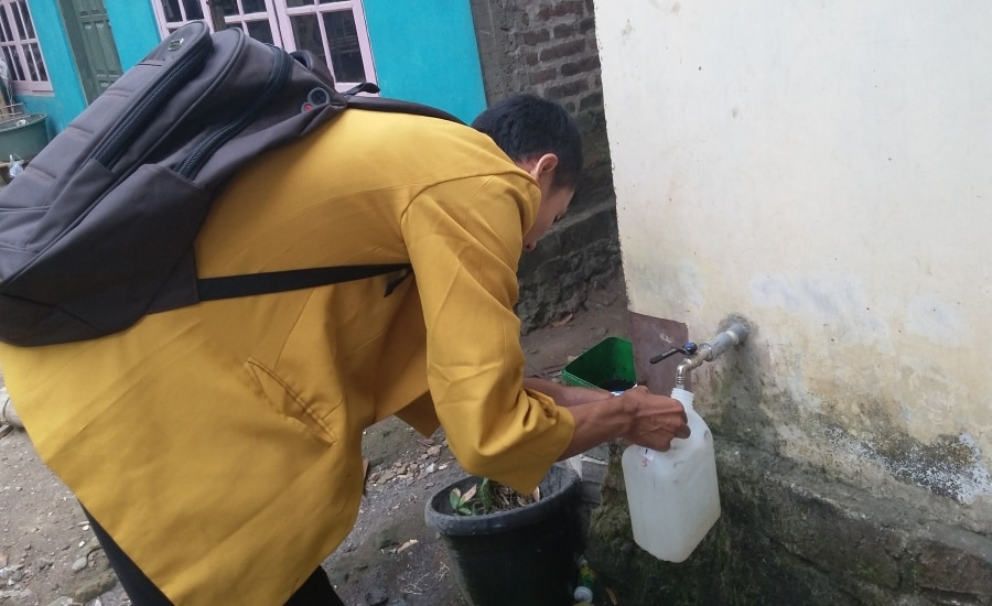 Pengambilan Sampel Air Bersih Warga