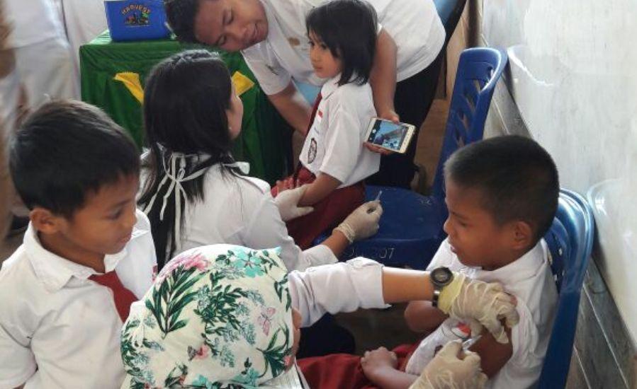 pelaksanaan-bulan-imunisasi-anak-sekolah-di-wilayah-kerja-puskesmas-sanur-tulin-onsoi-1