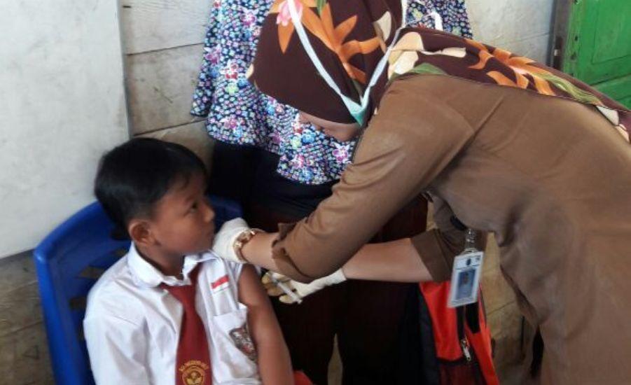 pelaksanaan-bulan-imunisasi-anak-sekolah-di-wilayah-kerja-puskesmas-sanur-tulin-onsoi-3