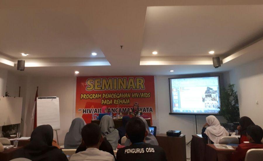 Cegah HIV AIDS Pada Remaja, BEM FKM Universitas Halu Oleo Ikuti Seminar dari KPAP Sultra-2