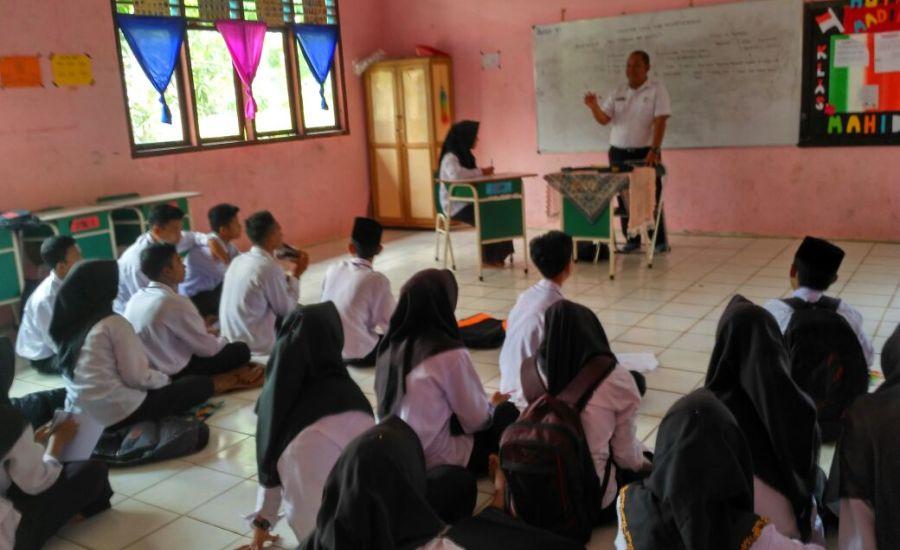 Siswa SMA di Kecamatan Pulau Merbau Dapat Muatan Lokal Ilmu Kesehatan Remaja-1