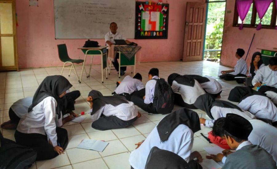 Siswa SMA di Kecamatan Pulau Merbau Dapat Muatan Lokal Ilmu Kesehatan Remaja-3