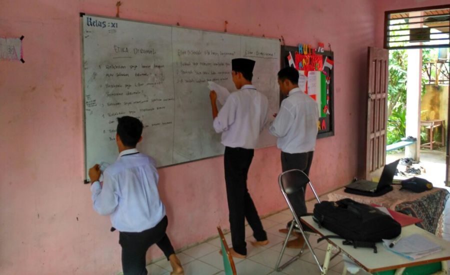 Siswa SMA di Kecamatan Pulau Merbau Dapat Muatan Lokal Ilmu Kesehatan Remaja-4