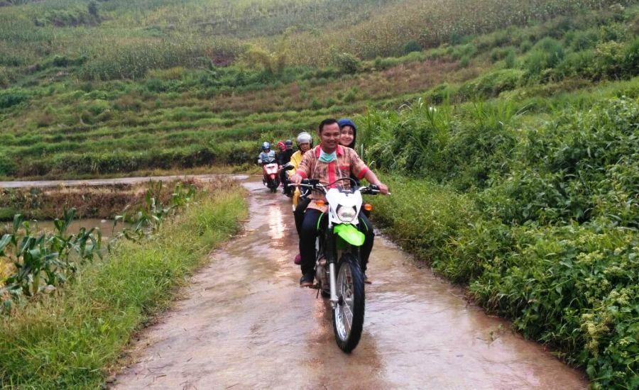 Tim PKM Baraka Menuju Desa Bone-bone