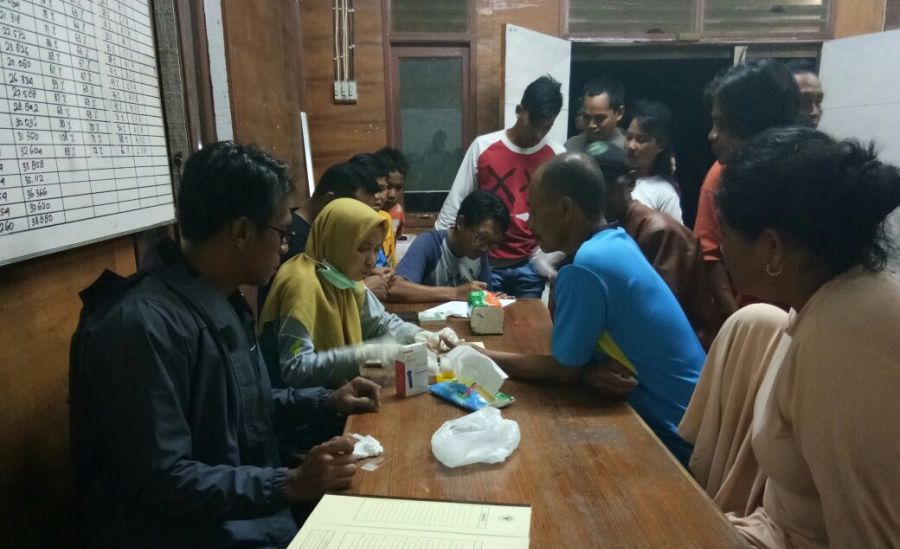 Pemeriksaan Warga Dalam Rangka Eliminasi Malaria di Tanah Bumbu
