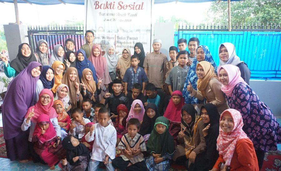 Mahasiswa Pasca Sarjana FKM Unhas Gelar Bakti Sosial dan Buka Puasa Bersama