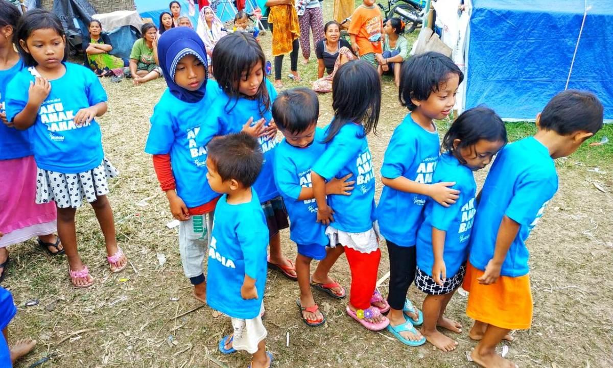 Bermain Bersama Anak Lombok