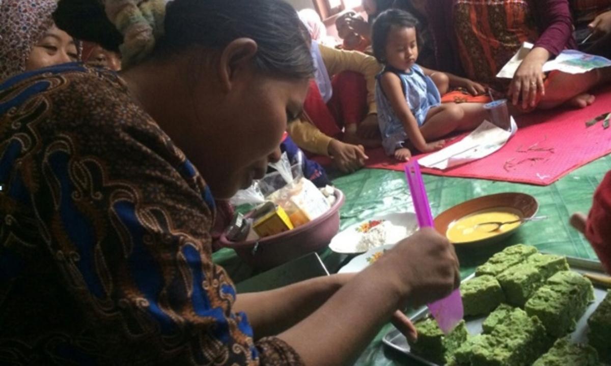 Praktik pengolahan kelor sebagai makanan kreatif