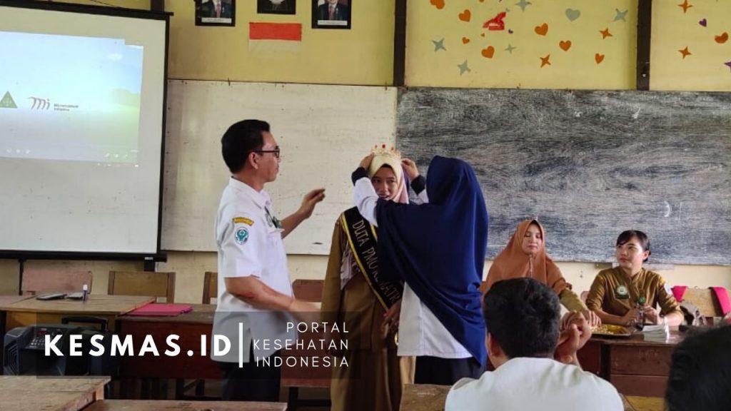 Pelantikan Duta Fe & Duta PMO SMA 1 Embaloh Hilir