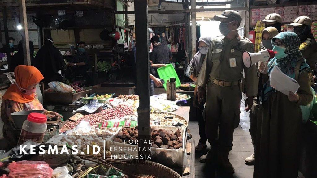 Puskesmas Kayu tangi Banjarmasin Lakukan Edukasi Covid-19 di Pasar
