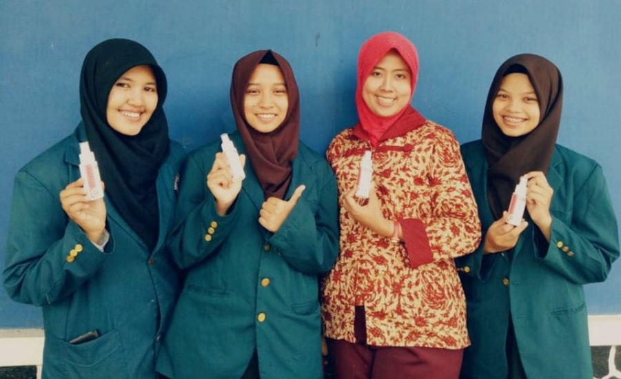 5 Mahasiswa FKM Undip Ciptakan Hand Sanitizer Dari Ekstrak Daun Trambesi