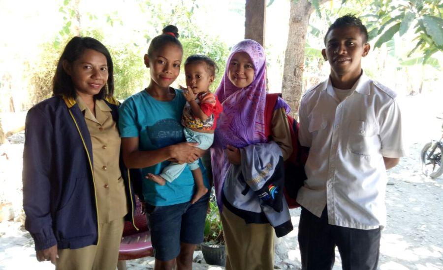 Tim Nusantara Sehat Lakukan Home Visit Keluarga Dengan Anak Gizi Buruk