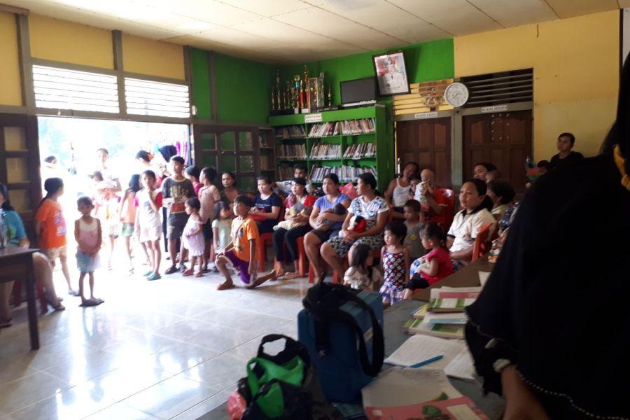 PBL, Mahasiswa Prodi Kesmas Unmuh Pontianak Beri Penyuluhan Tentang ISPA di Desa Tebang Benua