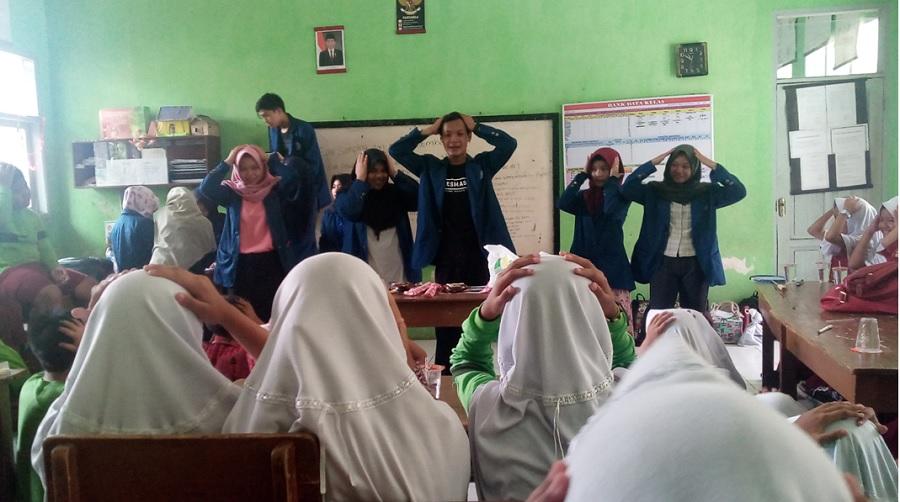 Penyuluhan Sekolah Sehat STIKes Respati Tasikmalaya