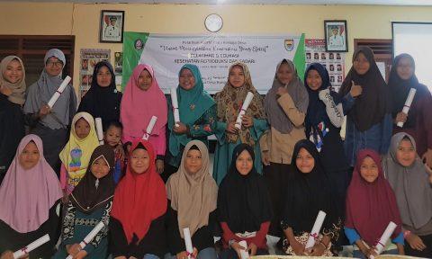 KKN, Mahasiswa Undip Ajarkan SADARI Kepada Remaja di Desa Ini