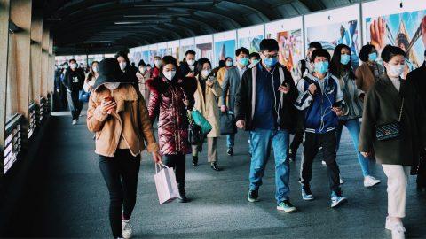 Transisi COVID-19 dari Pandemi Menjadi Endemi